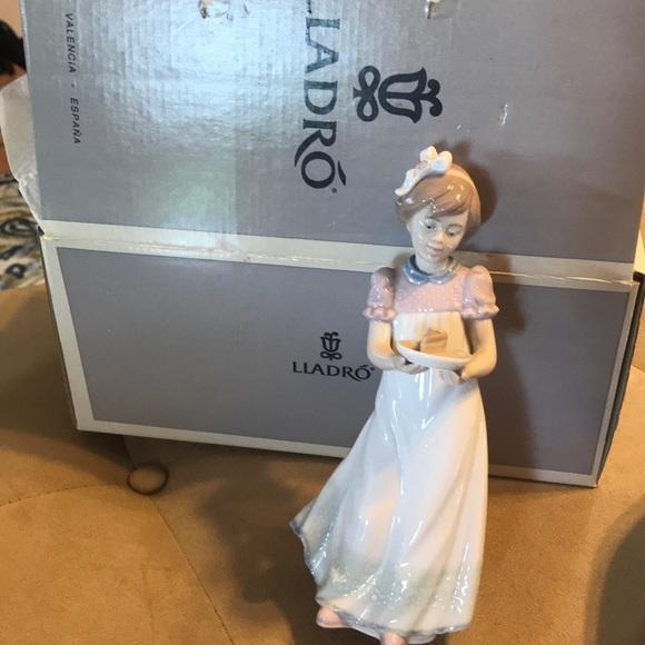 IOB Lladro Happy Birthday girl porcelain figurine